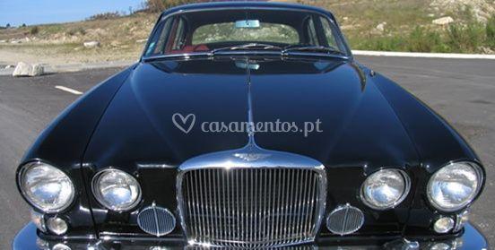 Frente do Jaguar MK10