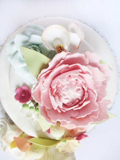 Cascata flores peónia