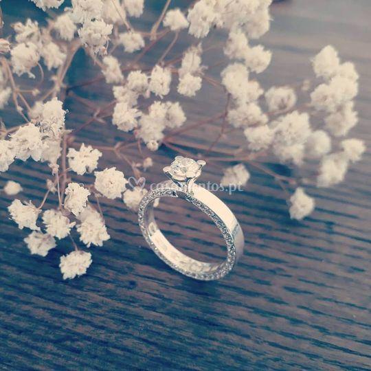 Anel de noivado diamantes