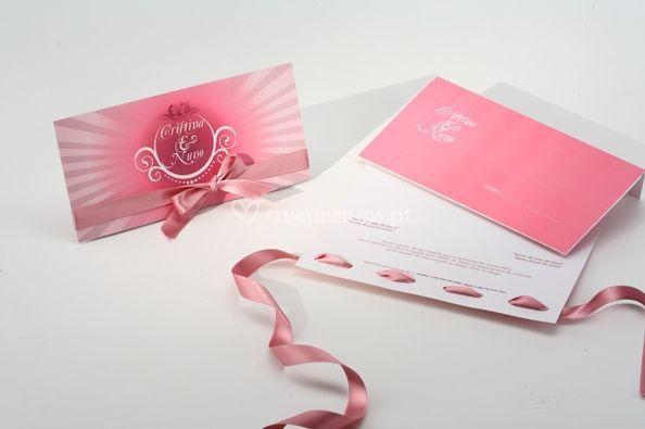 Convite rosa com fita