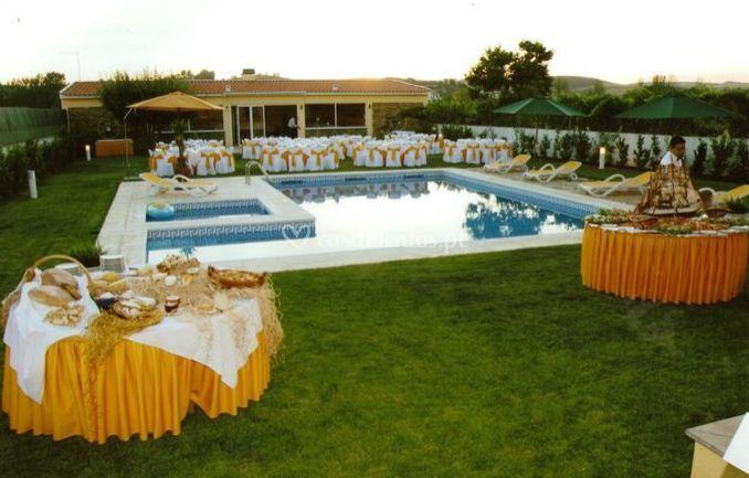 Catering em torno da piscina