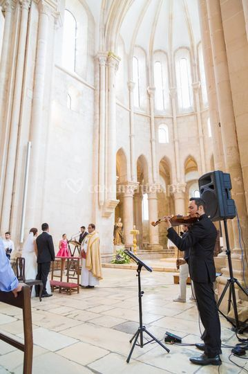 Violino na Cerimónia Religiosa