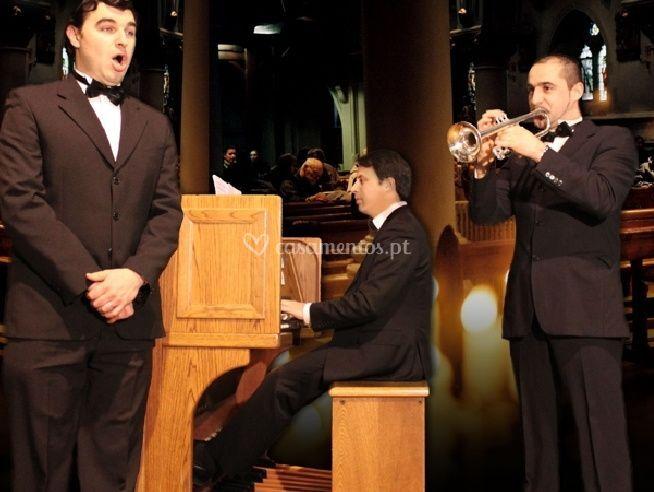 Voz trompete e orgão