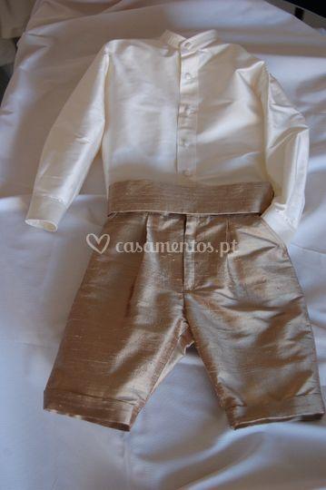 Costas e laço do vestido