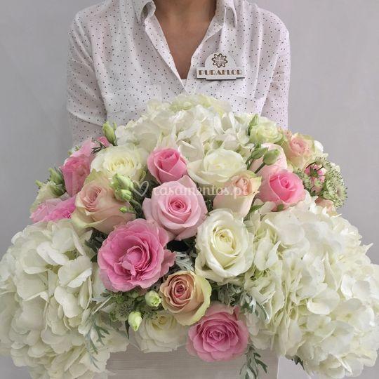 Arranjo Rosas e Hortenses