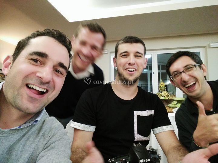 Dj, fotógafos e cameramen