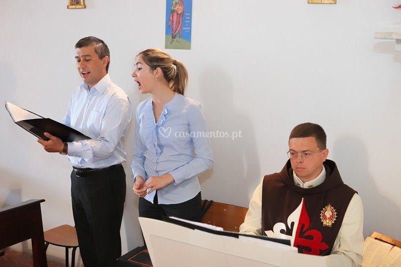 Vozes com organista