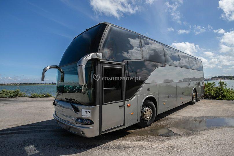 Autocarro 50 lugares