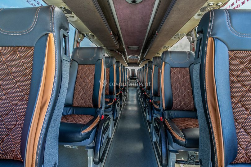 Autocarro interior