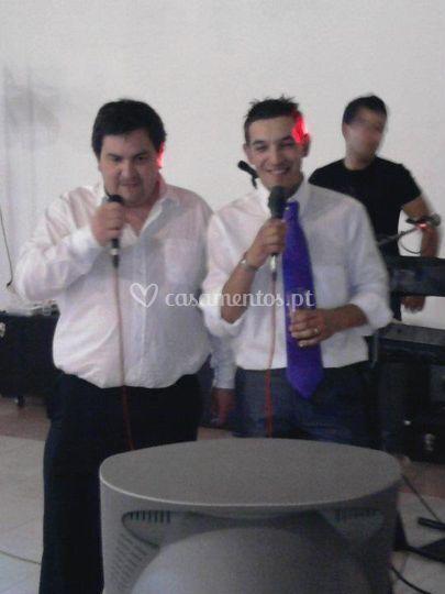 Karaoke duo