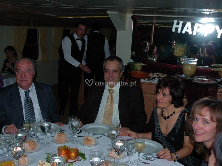 Convidados à mesa