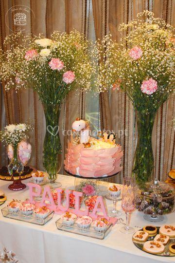 Mesa festiva de aniversário
