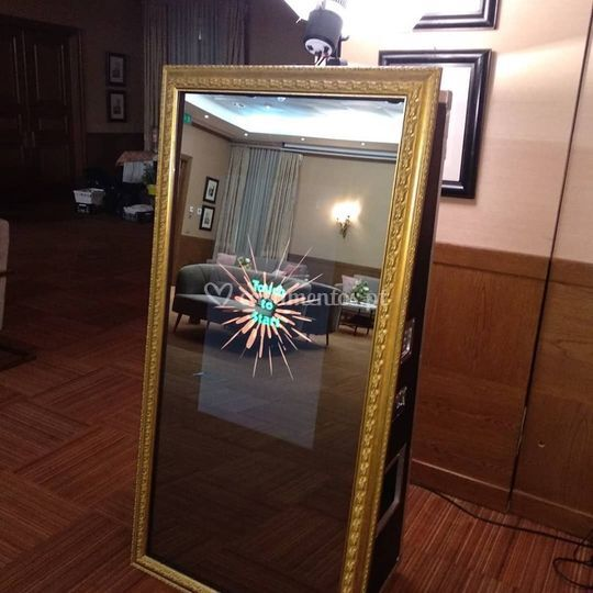 Best party mirror