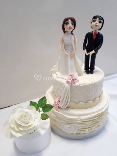 Bolo casamento com rosa