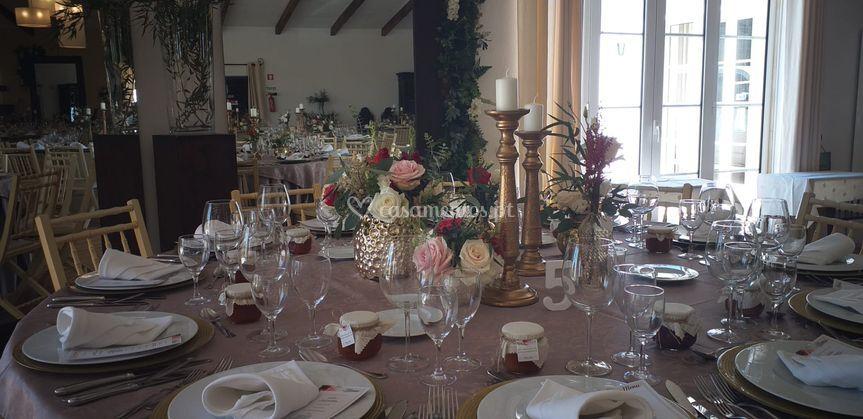 Decoração mesa noivos