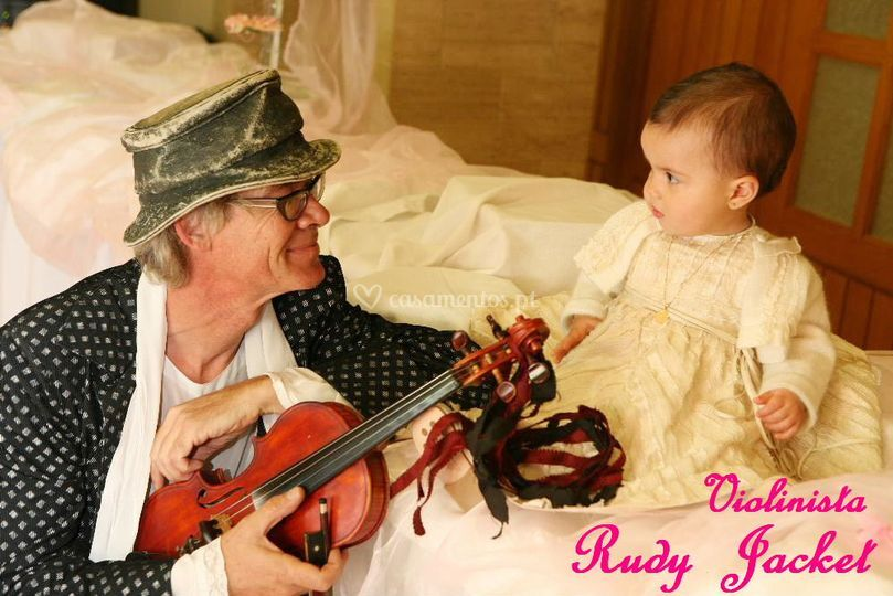 Violinista com criança