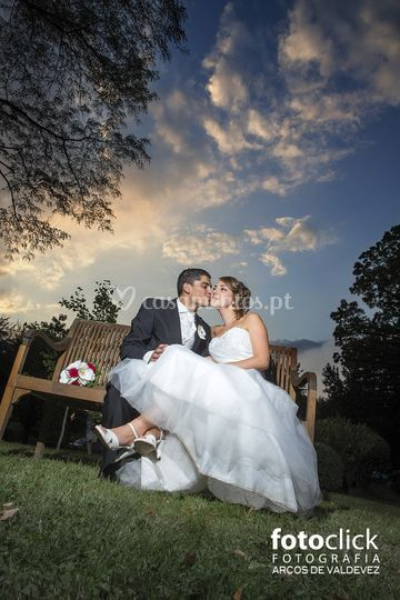 Noivos dia casamento frança