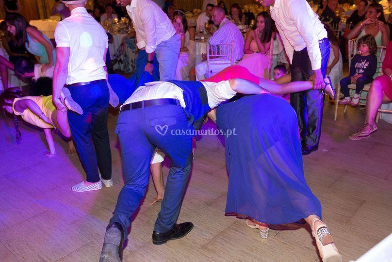 Jogos dançantes c/ convidados