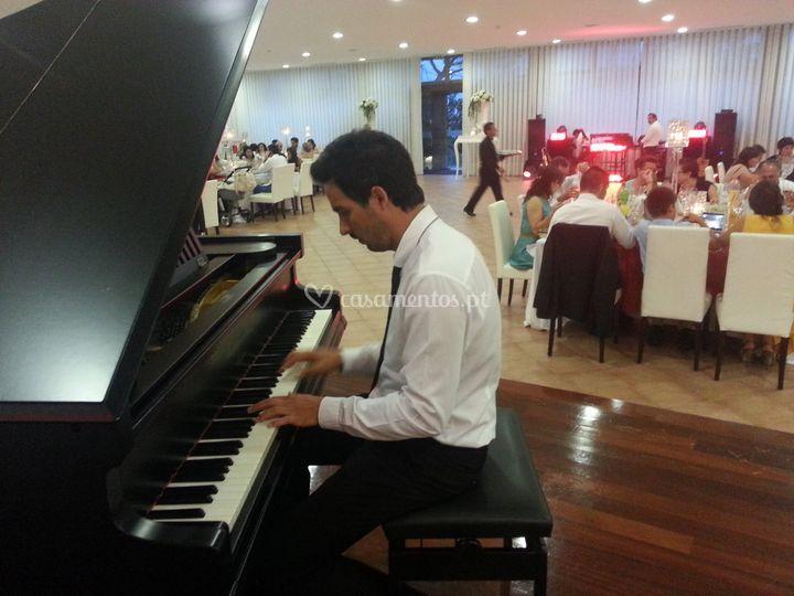 Musica ambiente durante a refe