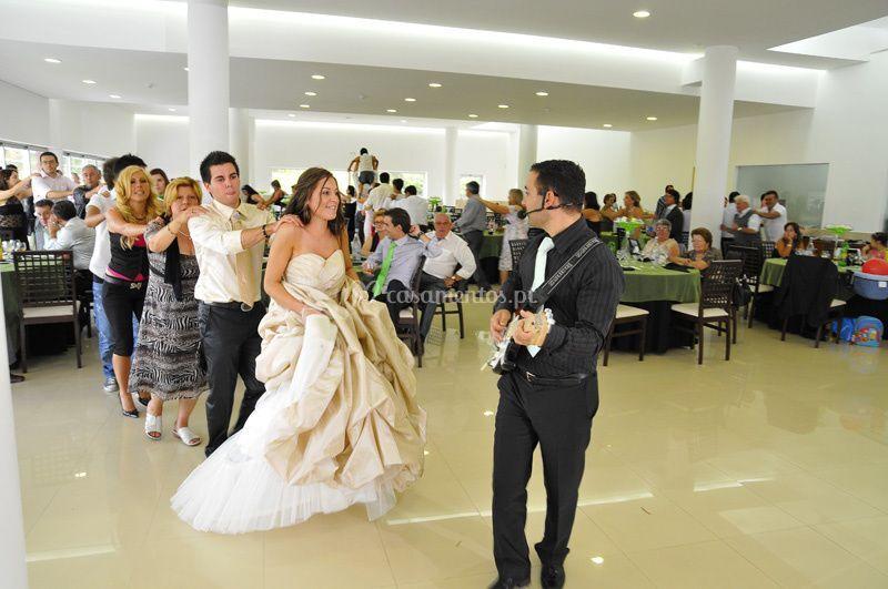 A liderar a dança