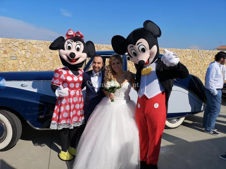 Mascotes com os noivos