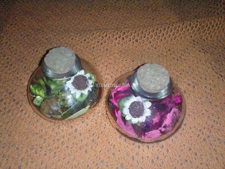 Vidro com flores de cheiro