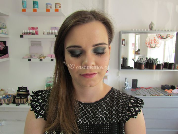 Sukidayo Store - Make Up Artist
