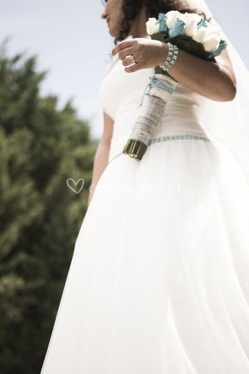 Mais uma noiva feliz