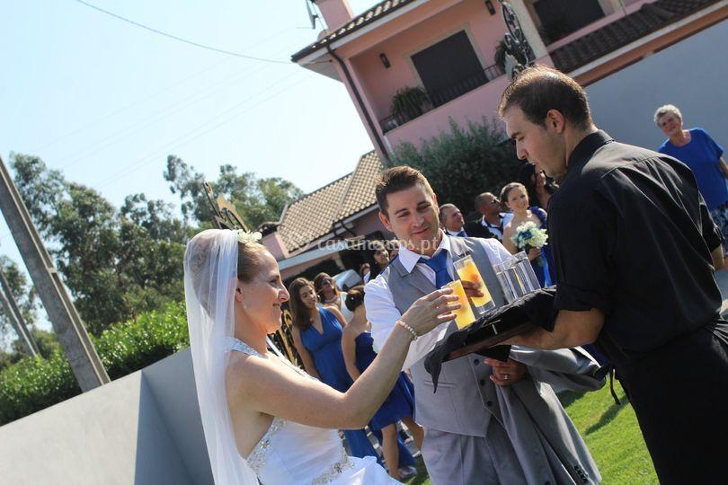 Recessão aos noivos