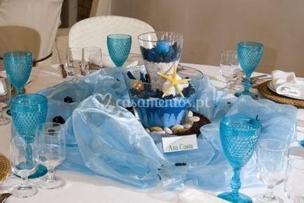 Mesas copos azuis
