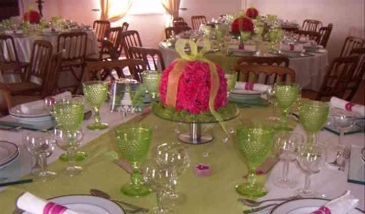 Mesa com centro em rosa