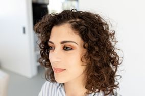 Li Makeup & Hair
