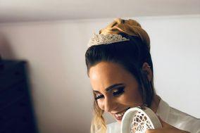 Adriana Mendes Makeup Artist & Hair Stylist