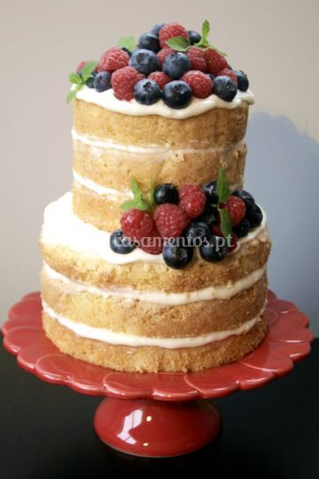 Naked cake c/ frutos vermelhos