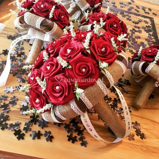 Ramo 30 rosas bordeaux