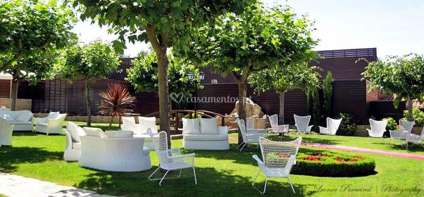 Jardim mobiliário exterior
