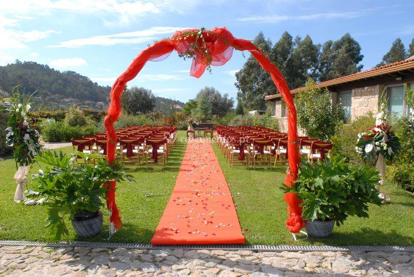 Casamentos por civil em vermelho