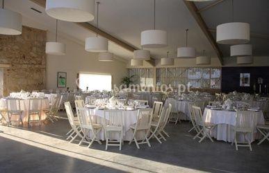 Mesas brancas