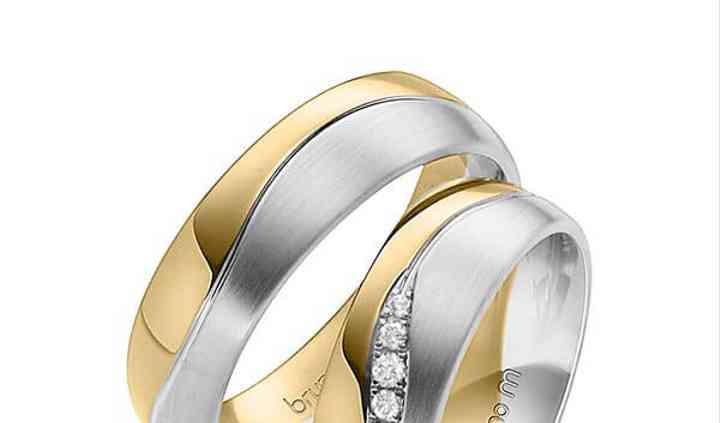 Alianças ouro e diamantes
