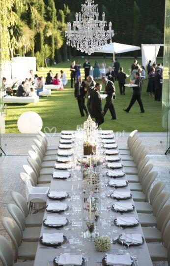 Elegante jantar ao ar livre