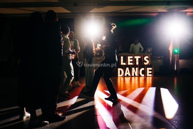 Indor Dance