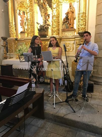 Ukulele, clarinete, voz