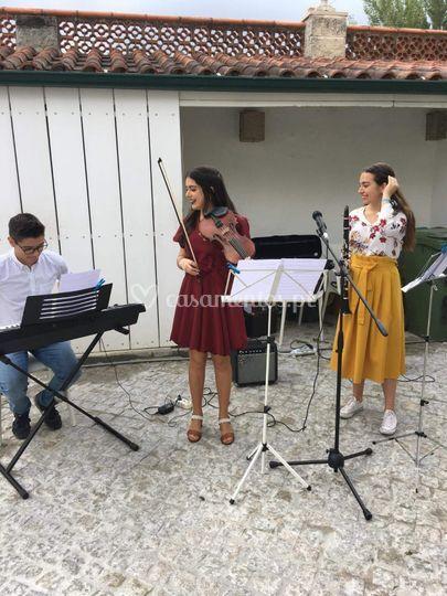 Piano, violino, clarinete