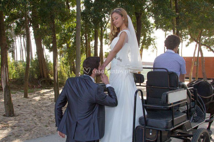 Chegada dos noivos de charrete