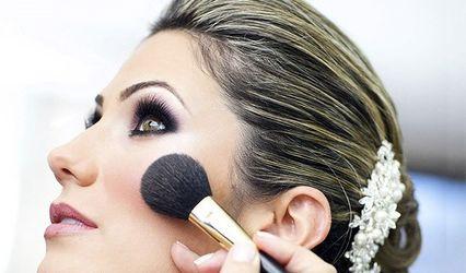 Queen & Beauty Makeup Artist 1