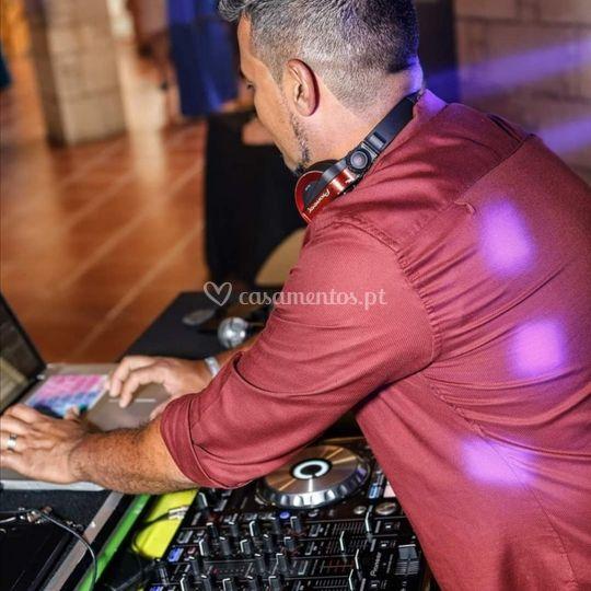 DJ Kakau