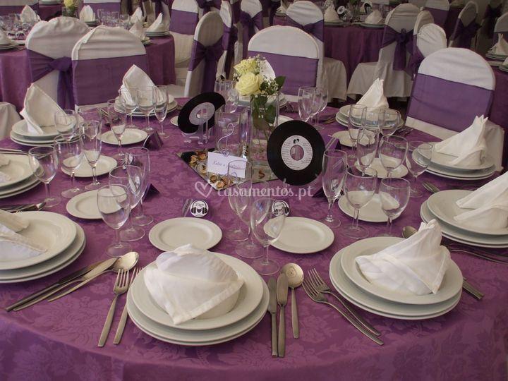 Etiquetas e placas para mesas
