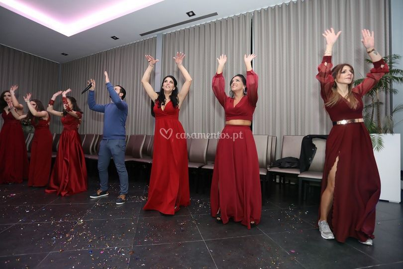 Dança com Damas de Honor