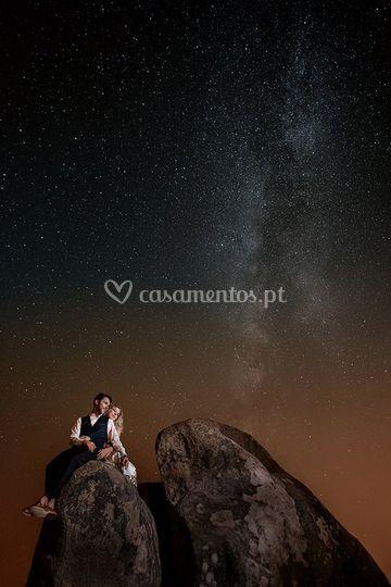 Foto de estrelas com noivos