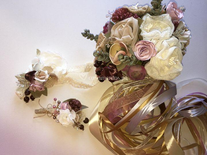 Flores de lapela e outros
